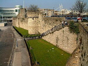 Tudor House and Garden - Southampton's Medieval Walls, fortified after 1336