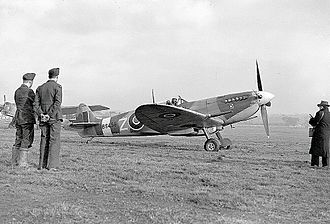 Supermarine Spitfire operational history - November 1942 photo of a very early Mk IXb of 306 (Polish) Toruński Squadron.