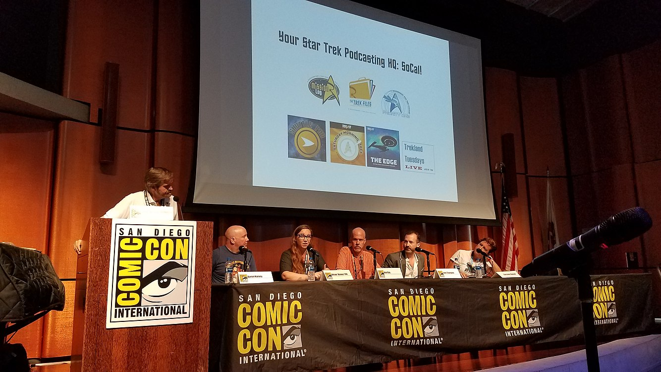 Star Trek fandom divided panel - 1.jpg