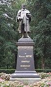 Statue of Joseph Joffre Chantilly FRA 001