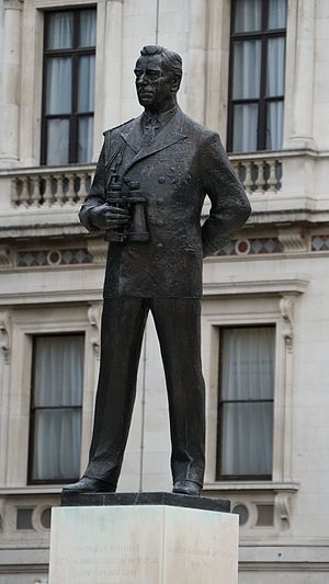 Statue of the Earl Mountbatten, London - The statue in 2016