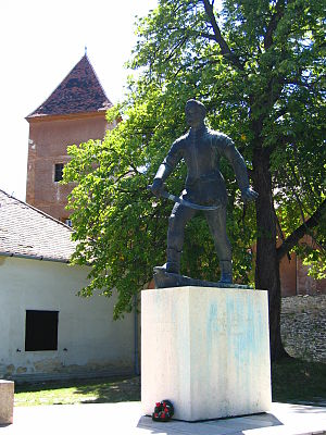 Nikola Jurišić - Image: Statue of Nikola Jurisic in Koszeg, Hungary