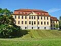 Stavenhagen Schloss Park Front barock.JPG