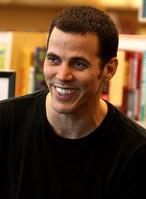 English: Steve-O at a book signing in Phoenix,...