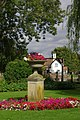 Swan Hotel garden, Streatley - geograph.org.uk - 945380.jpg