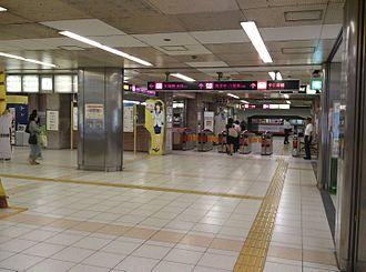Tanimachi Kyūchōme Station - Ticket gates