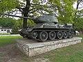 Tank T34 Dargovský priesmyk.jpg
