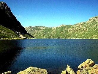 Tarsar Lake - Image: Tarsar lake Aru