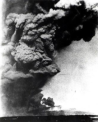 Mount Tarumae - Mount Tarumae erupting in 1909.