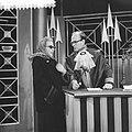Televisieprogramma Publieke Tribune, links J. van Gasteren en rechts Ton Lutz, Bestanddeelnr 910-8207.jpg