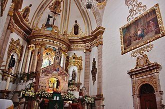 Morelia - The Temple of San Francisco was the former Convento de San Buenaventura, today House of Crafts of Michoacán, is the oldest in the city. Valladolid, today Morelia, was probably built from this site. Of Plateresque style. It was built in 1610.