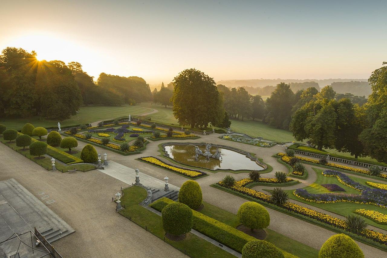 File The Parterre At Sunrise Waddesdon Manor Jpg Wikipedia