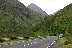 The narrow bit of Glen Shiel - geograph.org.uk - 1379468.jpg