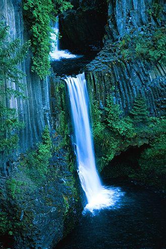 Toketee Falls - Toketee Falls