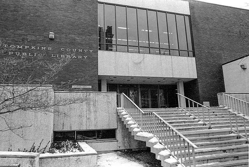 File:Tompkins County Public Library old building in 1987.jpg