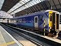 Trains in Glasgow Queen Street station 08.jpg