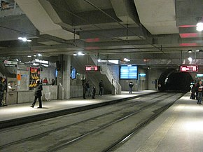 http://upload.wikimedia.org/wikipedia/commons/thumb/5/55/Tram_Strasbourg_Gare_Centrale.JPG/290px-Tram_Strasbourg_Gare_Centrale.JPG
