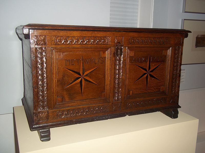 File:Treasure chest inside bergdorf castle.JPG