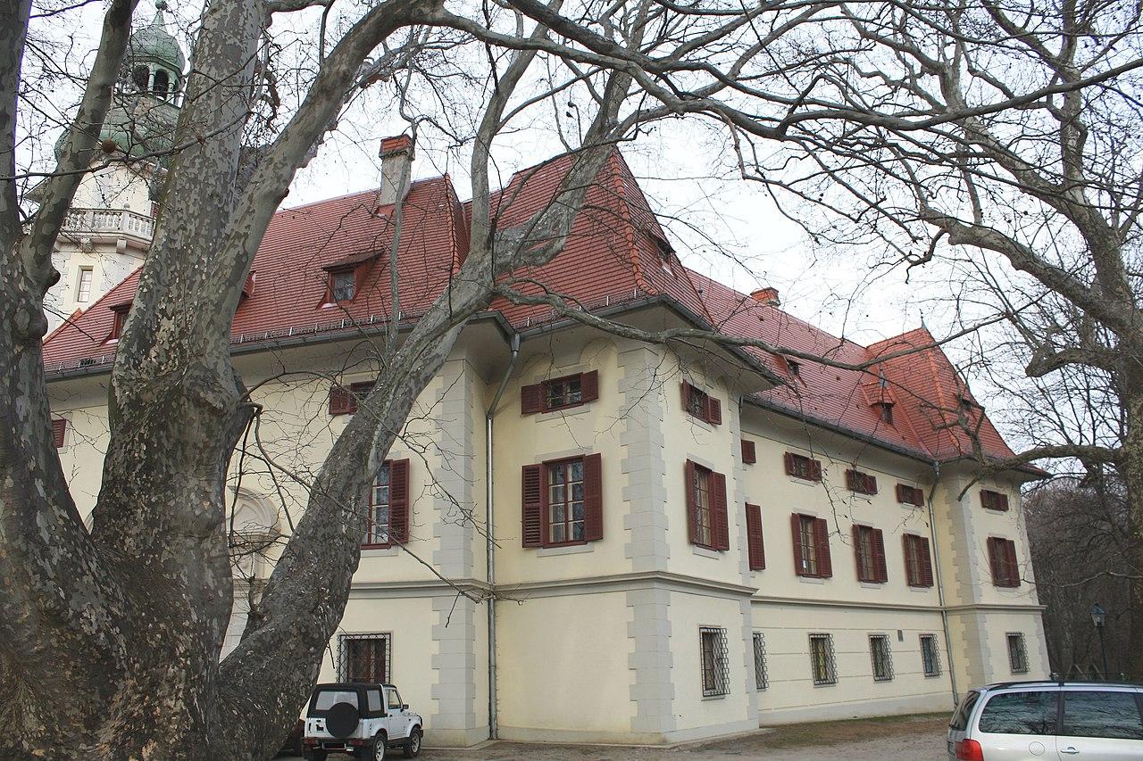 Traiskirchen in Baden - Thema auf huggology.com