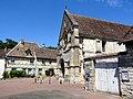Trie-Château (60), place de l'Église 5.jpg