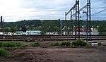 Trojský jez, z vlaku, přes Holešovickou přeložku, povodeň 2013-06-05.jpg