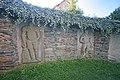 Turkovice, Kostel sv. Martina - náhrobní kameny ve zdi u kostela1.JPG