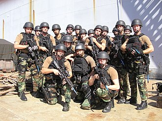 Visit, board, search, and seizure - Image: USS Gary VBSS Team Pearl Harbor Hawaii 2006