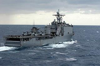 type of amphibious warfare ship