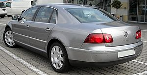 VW Phaeton rear 20090404.jpg