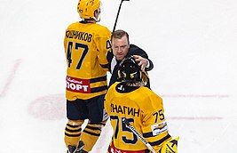 Vadim Epanchintsev as a head coach of MHL team Atlanty 2012-03-30.jpeg