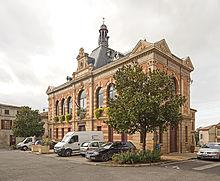 https://upload.wikimedia.org/wikipedia/commons/thumb/5/55/Verdun-sur-Garonne_Hotel_de_Ville.jpg/220px-Verdun-sur-Garonne_Hotel_de_Ville.jpg