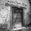Vhod v Korletovo zidanico v Brinovi Gori 1957.jpg
