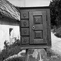 "Vojsko (Vogalce), pri Štefanu, ""marenca"" (omarica) za šivanje itd. 1959.jpg"