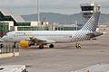 Vueling, EC-KDX, Airbus A320-216 (16455948422).jpg