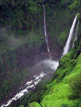 Waterfall near Satara.jpg