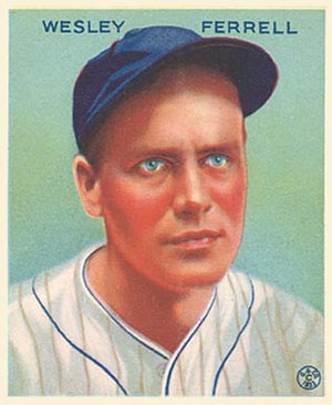 English: 1933 Goudey baseball card of Wesley &...
