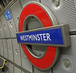 Westminster tube station MMB 02.jpg