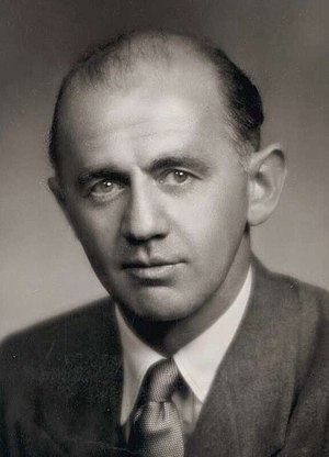 William McMahon 1950.jpg