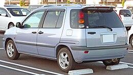 Z10 Toyota Raum 2.jpg