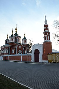Брусенский монастырь, северо-восточные ворота 1.jpg