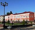 Здание женской гимназии на Соборной площади, Старая Русса.jpg