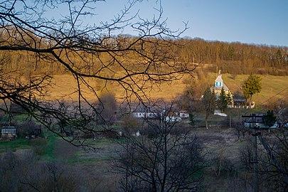 Михайлівська церква в профіль.jpg