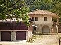 Прилежащи постройки към манастира - panoramio.jpg