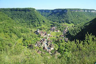 Jura (department) - Image: Юра Франция, деревня в долине