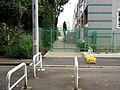 武蔵野競技場前駅跡と思われる場所を南西向きに撮影しました。 この付近からV字型(二股)に線路が分岐してい - panoramio.jpg