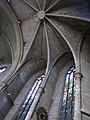 073 Basílica de Santa Maria (Vilafranca del Penedès), vitralls i volta de l'absis.jpg