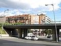 132 Pont del ferrocarril al pg. 22 de Juliol (Terrassa), al fons la rambla d'Ègara.jpg