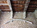 164 Castell de Santa Florentina (Canet de Mar), avantsala de la cripta, os de balena.JPG