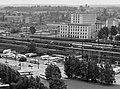 1971 Dresden Seevorstadt Blick vom Hotel Newa (Prager Straße 2, heute Pullmann)) auf Reichsbahngebäude und Busbahnhof an der Wiener Straße Fortepan 98111 (cropped).jpg