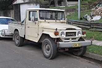 Toyota Land Cruiser (J40) - 1975 Land Cruiser FJ45 pickup